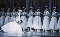 """""""Жізель"""". Балетмейстер-постановник – Костянтин Сергєєв, художник – Тетяна Бруні."""