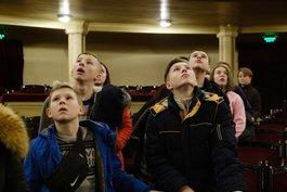 """""""Золоті діти"""" з Луганщини. Національна опера України приймала особливих гостей"""