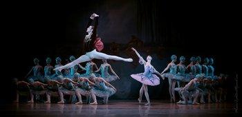 Принц Дезіре - Ян Ваня, Фея Бузку - Катерина Козаченко. Фото О. Орлової.