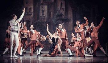Вулична танцівниця – Христина Шишпор. Фото О. Орлової.