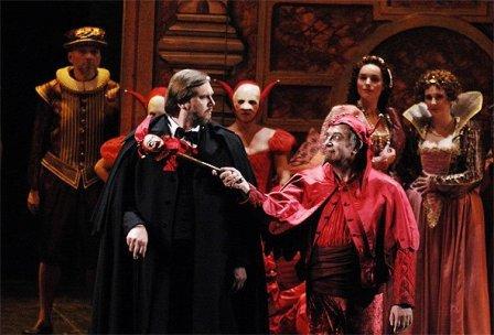 """Валерій Мурга - запрошений соліст у виставах """"Травіата"""" і """"Кармен""""."""